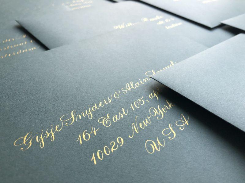 Kalligrafie met gouden inkt
